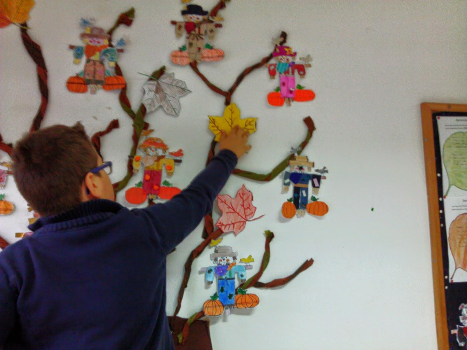 Sala M Gica Eb De S Jorge Fafe Painel De Outono -> Como Decorar Parede De Sala Com Material Reciclados