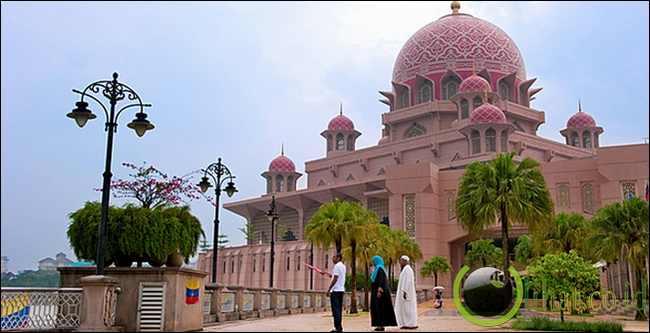 Masjid Pink, Malaysia