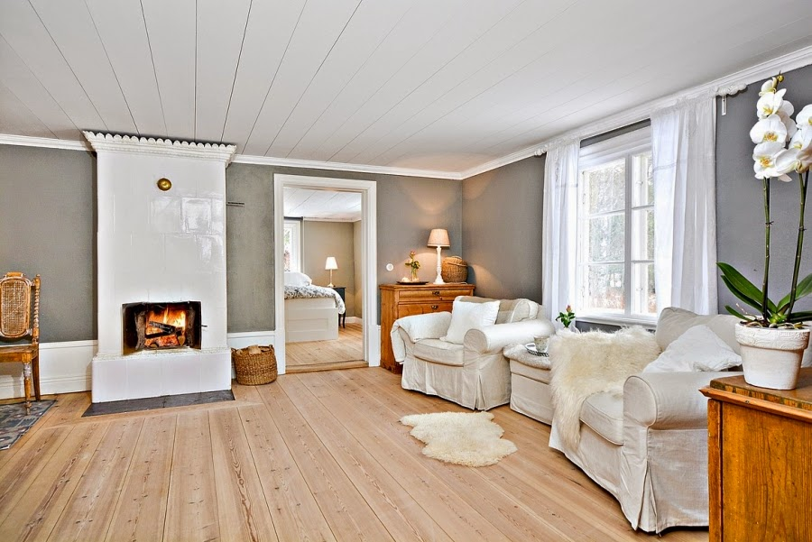 wystrój wnętrz, wnętrza, urządzanie mieszkania, dom, home decor, dekoracje, aranżacje, styl skandynawski, białe wnętrza, skandynawski, drewniany domek, kominek, salon