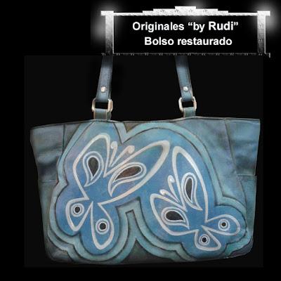 Bolso azul con mariposas decorado por pintora Rudi