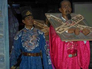 Los donglin se opusieron a la camarilla de los eunucos