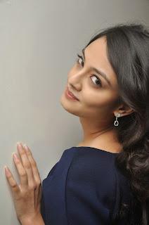 Nikitha Narayan Latest Stills (77).JPG