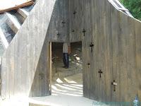 intrarea manastirea sinca