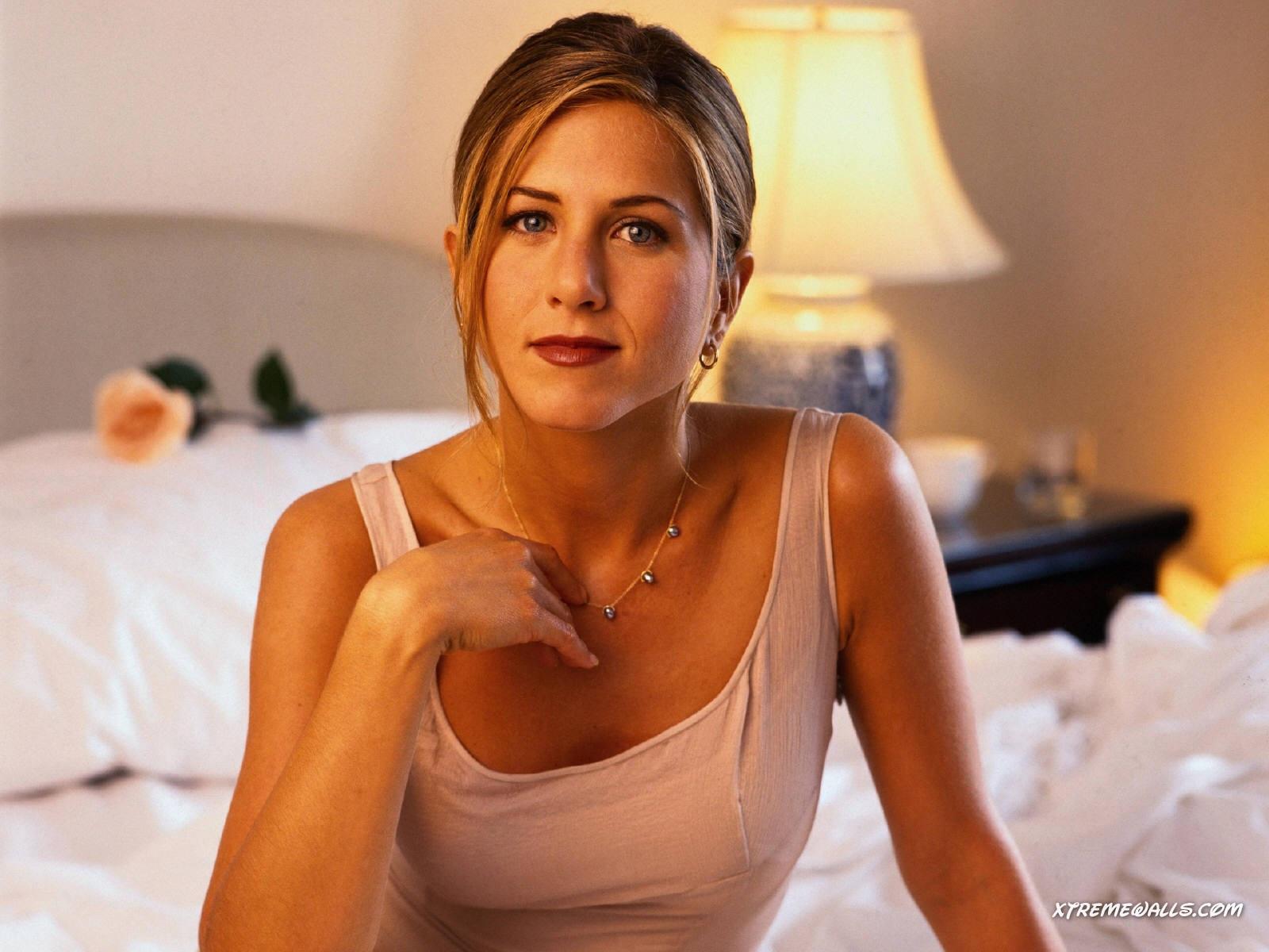 http://2.bp.blogspot.com/-0JYFvm2Yisc/UHij3dAwlZI/AAAAAAAACM8/P3LSz69vD6k/s1600/1-Jennifer-Aniston.jpg