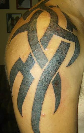 shoulder blade tattoos for men tattoos art. Black Bedroom Furniture Sets. Home Design Ideas