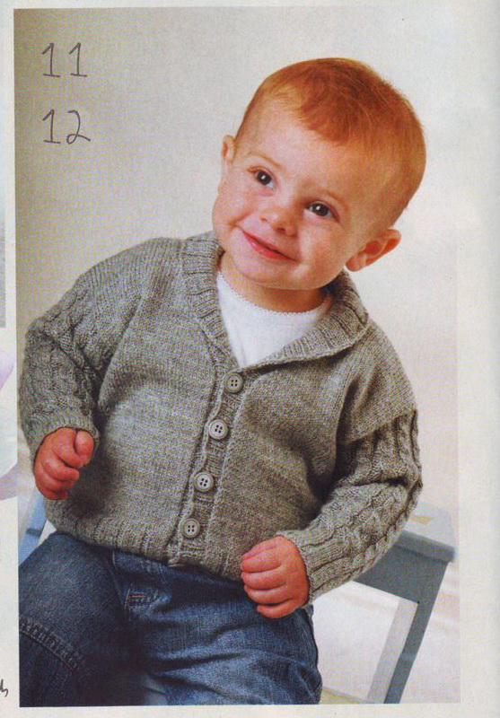 Очень интересная вязаная спицами кофта для мальчика предлагается в этом материале.  Здесь имеются описание и схема к...