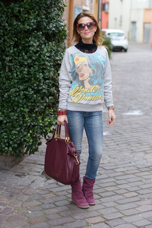 printed sweatshirts, felpa stampata, wedge boots
