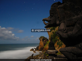 reca pura patung garuda pantai ngobaran yogyakarta