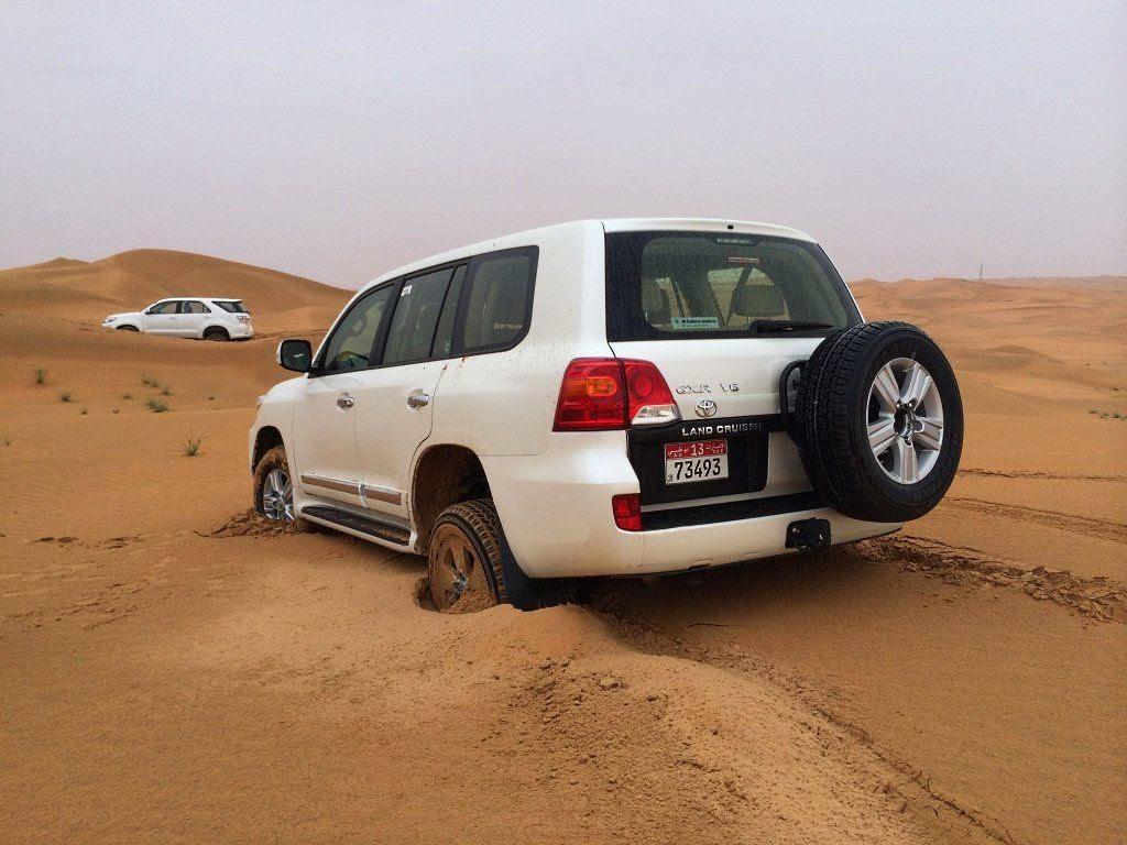 Mit dem Mietwagen in den Sand