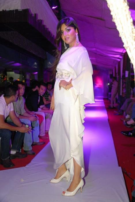 poonam kaur rwalk in white dress at sheesha sky launch glamour  images