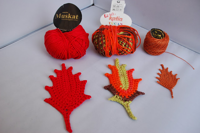 image of same crochet leaves pattern but using different yarns