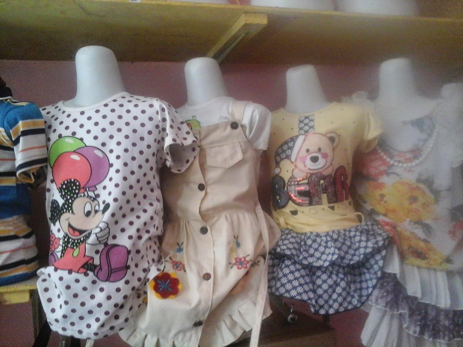Diskon 50% untuk baju anak dan bayi