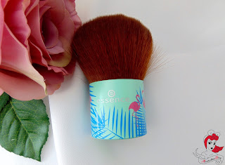 Essence #SecretParty Kabuki Brush - www.annitschkasblog.de