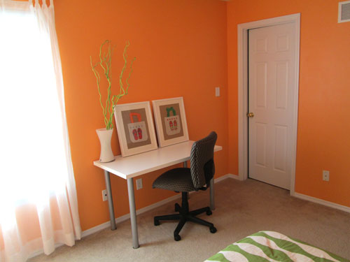 orange teen bedroom