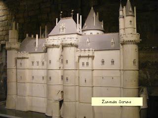 luvru-castelul-medieval-macheta