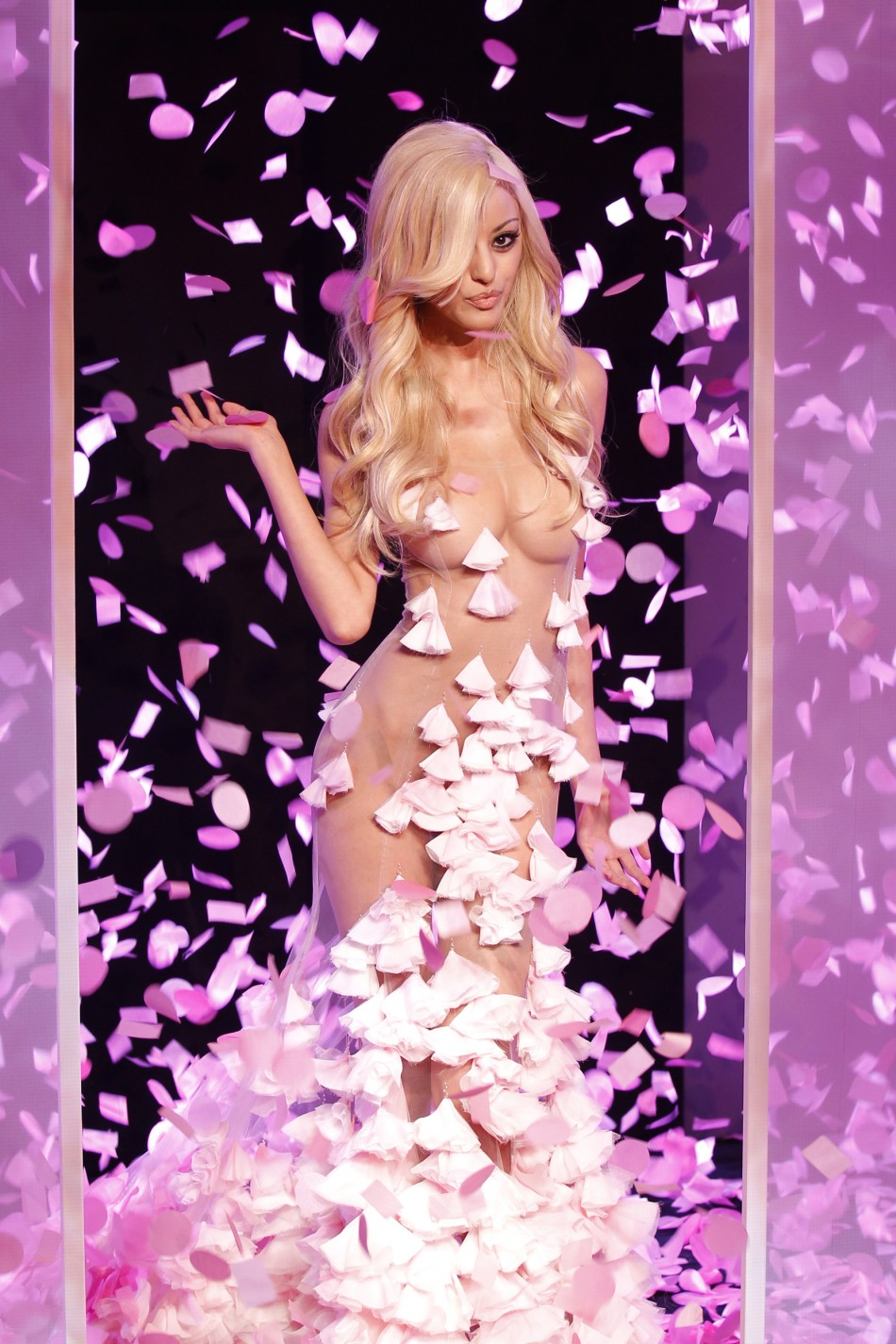 Zahia Dehar BLingerie COllection