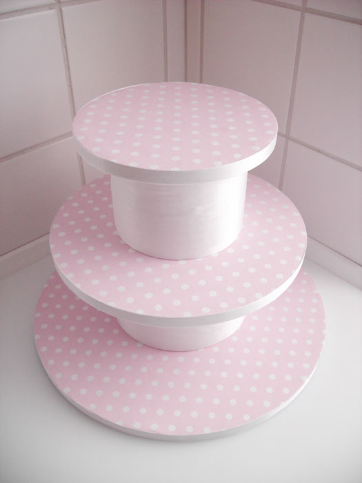 How To Make A Cupcake Cake Stand