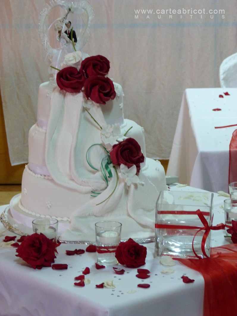 Mariage en rouge et blanc for Decoration or rose