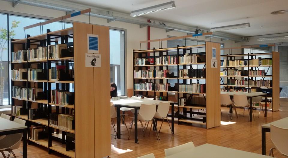 Visite a Biblioteca