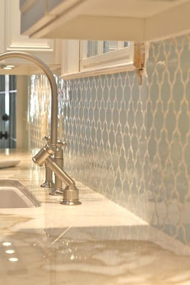 Quatrefoil backsplash