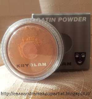 Satin Powder - KRYOLAN - Glossy box Settembre - La dolce vita - recensione - review - prezzo - inci - ingredienti - Swatch