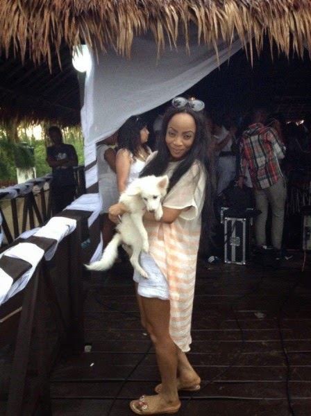 Lynxxx, Ikechukwu, Praiz, Sasha, Others At The Hennessy's All White Beach Party – Photos