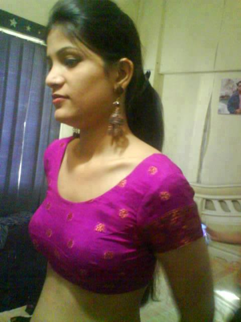 Chennai Aunties Photos: Wet Blouse. Aunty Inner Thighs; Busty Aunty ...
