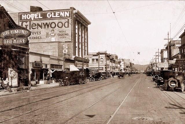 Richmond hill movie theaters