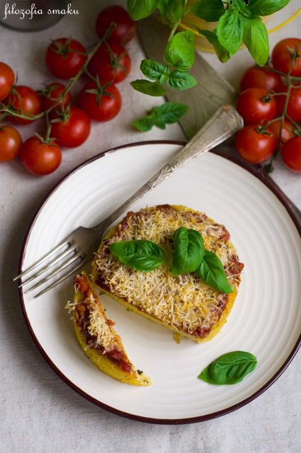 Polenta z sosem pomidorowym