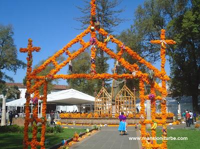 Tradicion del Dia de Muertos en Patzcuaro Michoacan
