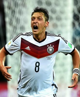 Alemanha vence Argélia na prorrogação e enfrenta a França nas quartas de final