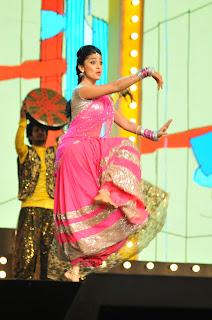 shriya stage dance at mirchi music ads(3).JPG