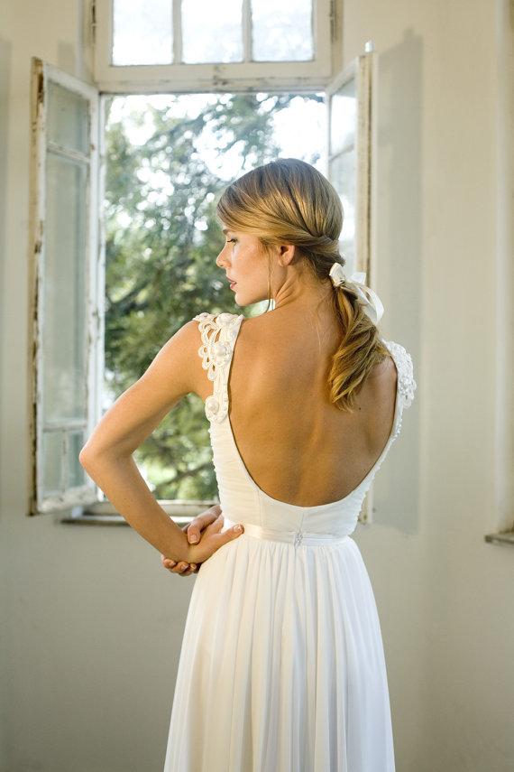 Romantic vintage wedding dress