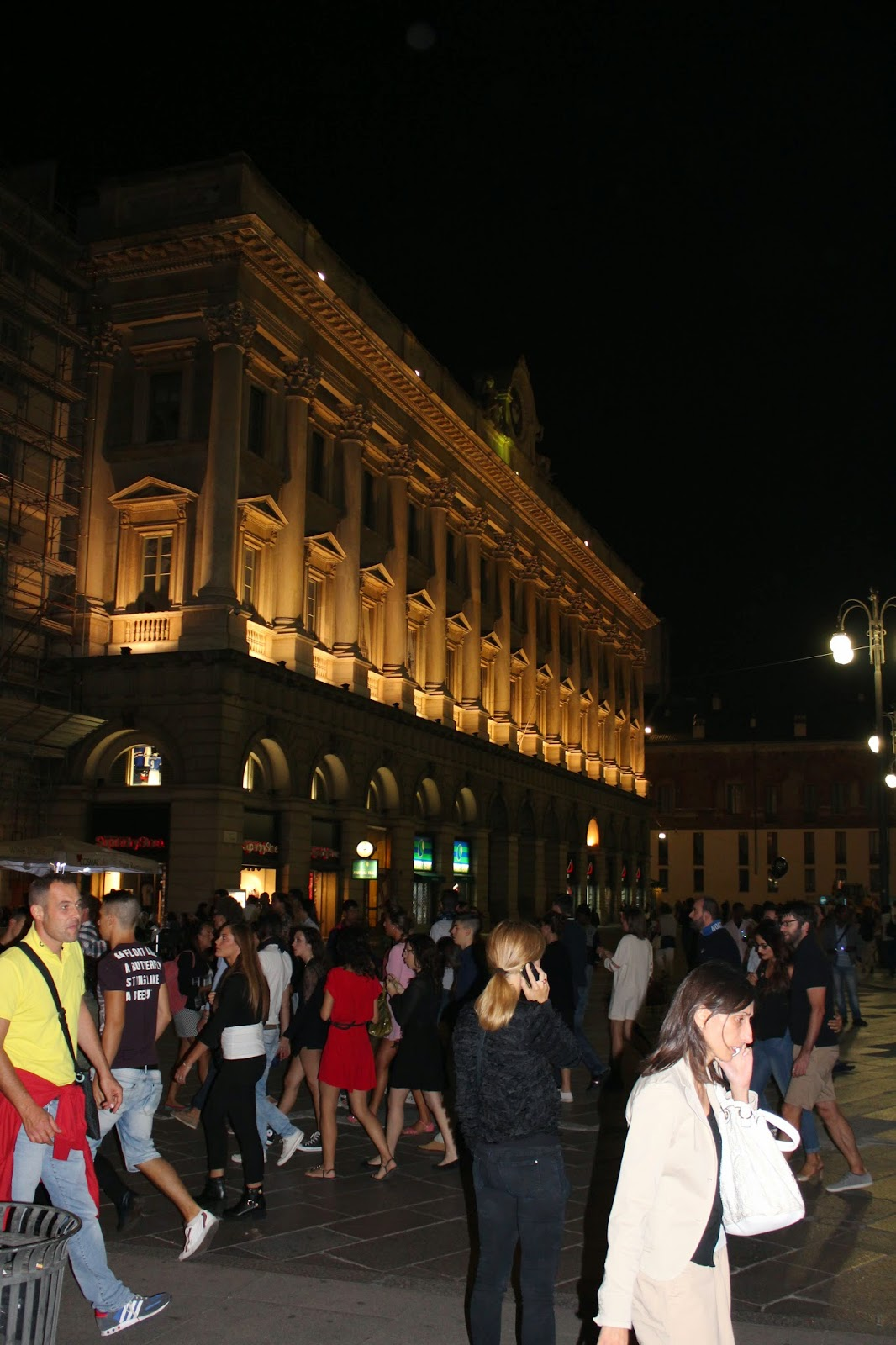 Eniwhere Fashion - Vogue Fashion Night Out - Milano