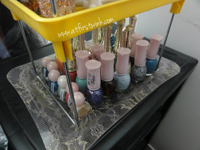 Bottom tray of nail polish tower