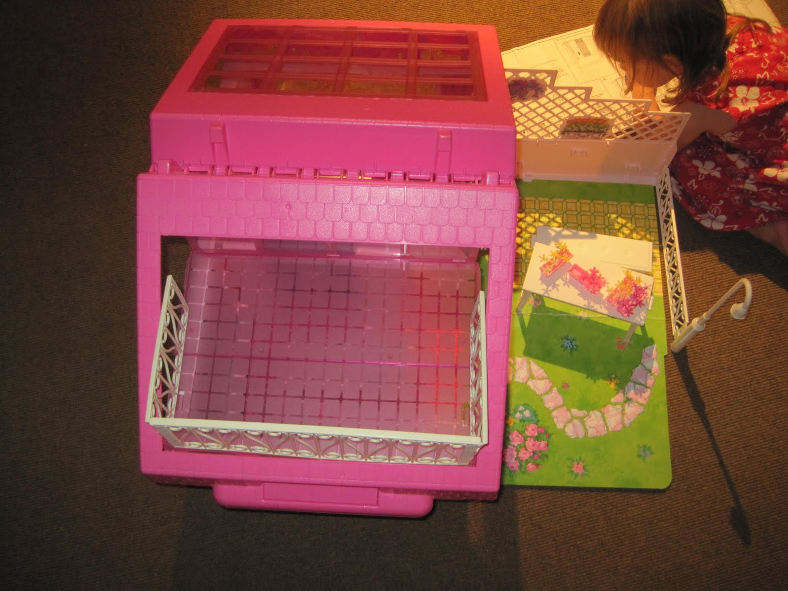 barbie fold n fun house instructions