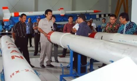 Menjajaki Alternatif  Lokasi Peluncuran Roket Indonesia