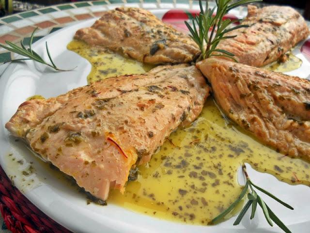 Filetes de Salmón en salsa de Limón y Azafrán