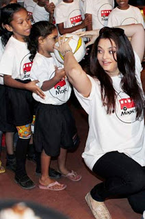 Abhishek and Aishwarya  celebrates Children Day with underprivileged children