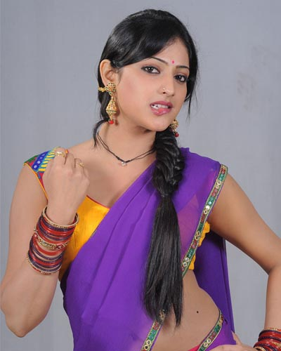 ... Mallu Aunty unseen Half Saree Photos. Mallu Aunty Hari Priya hot and