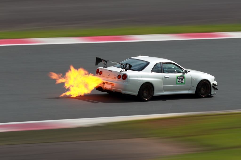 Nissan Skyline R34 , japoński sportowy samochód, tuning, JDM, wyścigi