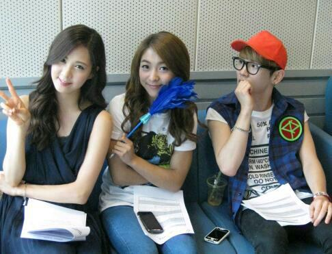 [PICTURE] Seohyun, Luna, Key at SBS Radio