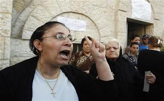 ضغوط على مسيحيي غزة لإجبارهم على اعتناق الإسلام