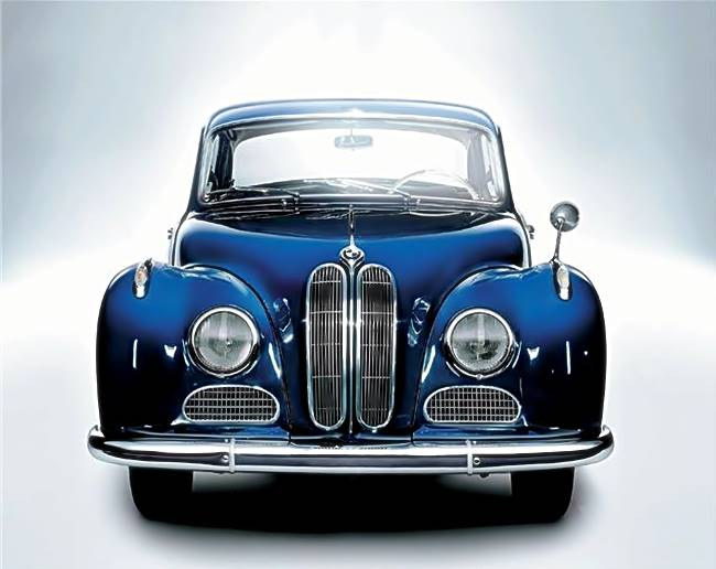 The BMW Classic 501 and 502