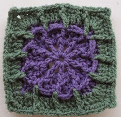 http://translate.googleusercontent.com/translate_c?depth=1&hl=es&rurl=translate.google.es&sl=en&tl=es&u=http://crochetincommon.blogspot.com.es/2012/09/catching-flower-6in-square.html&usg=ALkJrhgjBtSS2XpMWKF8mZIgnQXmGTeoAg