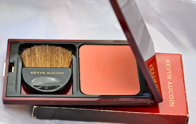 Dolline_The_Pure_Powder_Glow_by_Kevyn_Aucoin_05