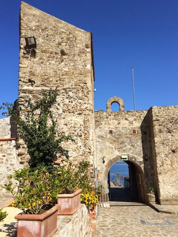 Agropoli_cilento_campania_salerno_mare_castello_aragonese