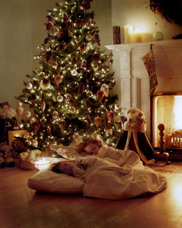 Anyone can decorate beautifully decorated christmas trees for X mas decorations for kids