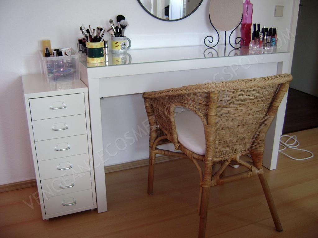 schminktisch f r freundin kaufen oder selber bauen. Black Bedroom Furniture Sets. Home Design Ideas
