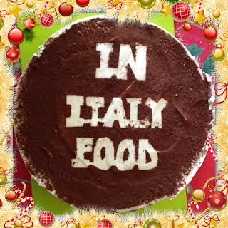 io e la mia torta ignorante  (come auto celebrarsi)...
